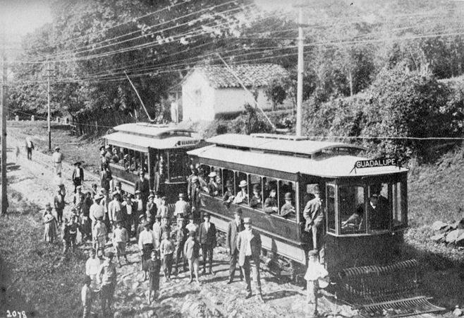 Presidente don Cleto Gonzlaez Viquez inagura el tranvía de Guadalupe 1908