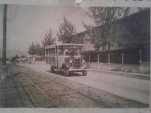 Calle Principal de Guadalupe, a un lado la Municipalidad