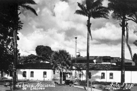 j-Postal del Parque Espana y fachada de fanal, sinabi