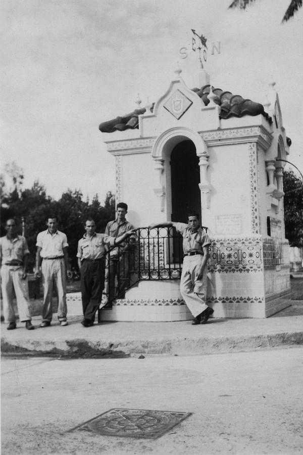 k-Trabajadores de la FANAL,quienes construyeron quiosoco del Parque España