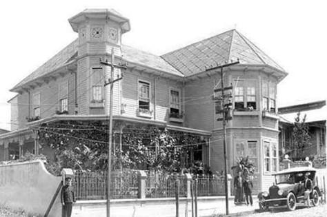 Residencia de don Julio Acosta García (1872-1954) Amon.jpg