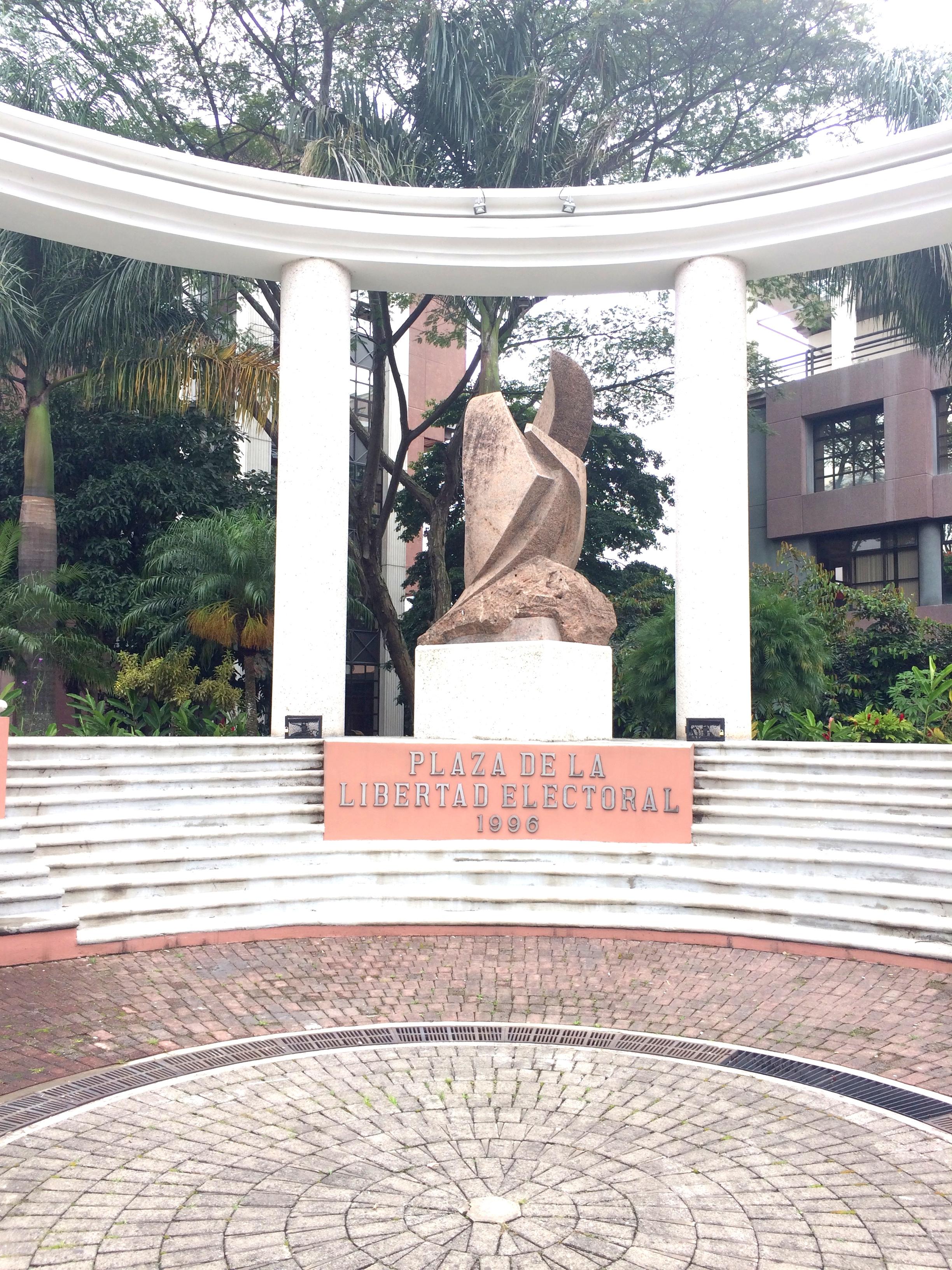 Plaza de la Libertad Electoral, 1996