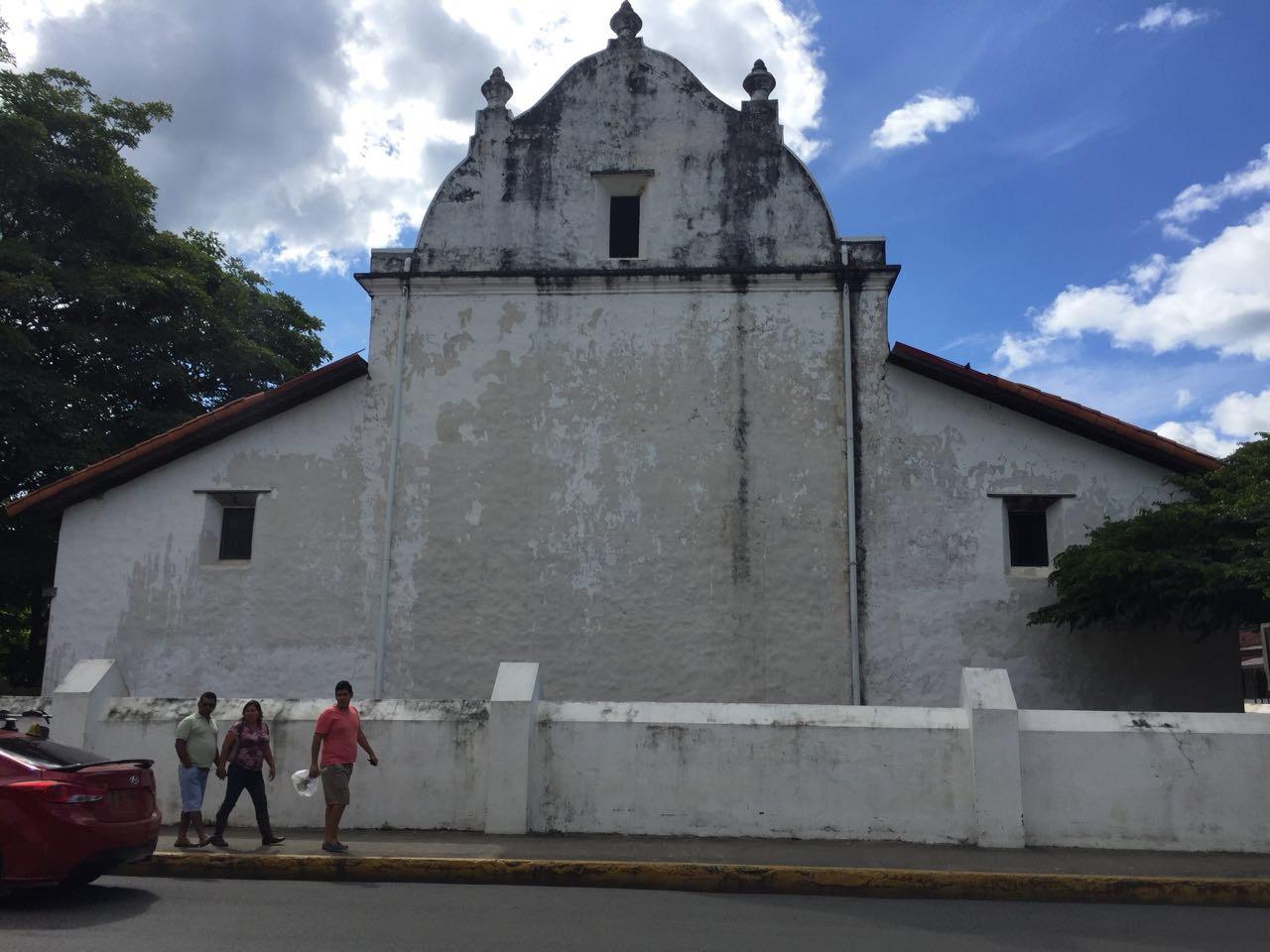Parte trasera de la iglesia