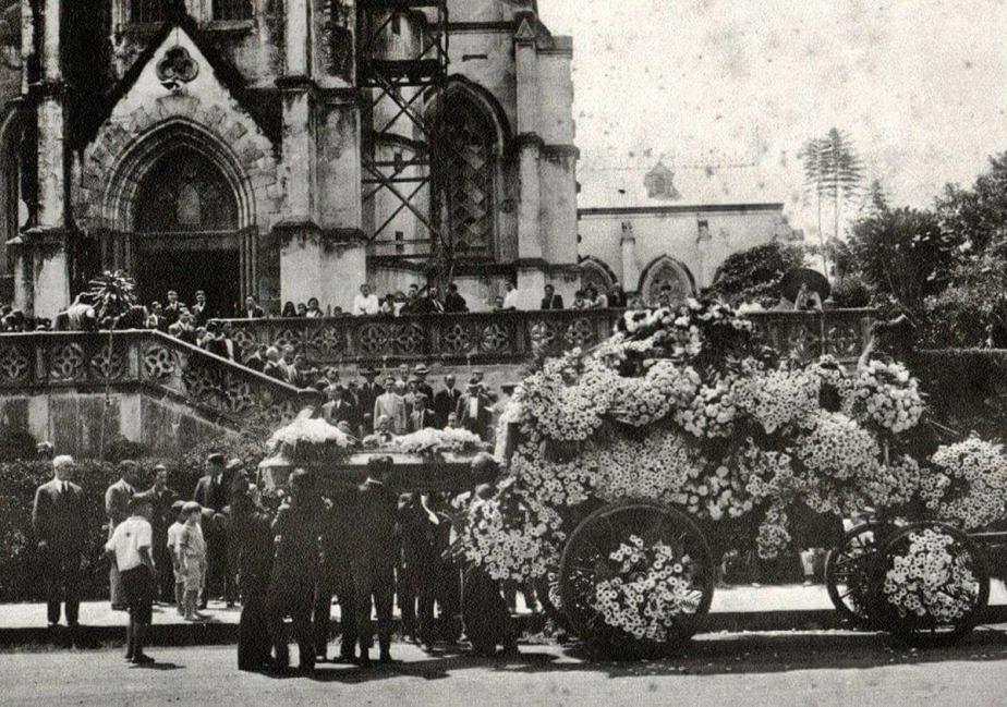 iGLESIA DE LA mERCED, FUNERALES DE DOÑA ADELA GORGOLLO VIUDA DE JIMENEZ, 1947