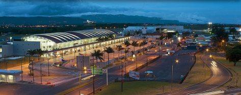 aeropuerto-juan-santamaría-de-noche