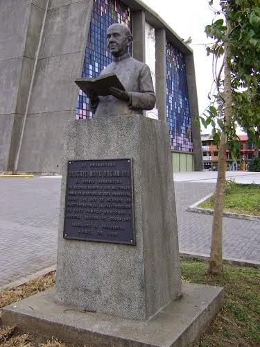 Resultado de imagen para padre Alberto Mata Oreamuno