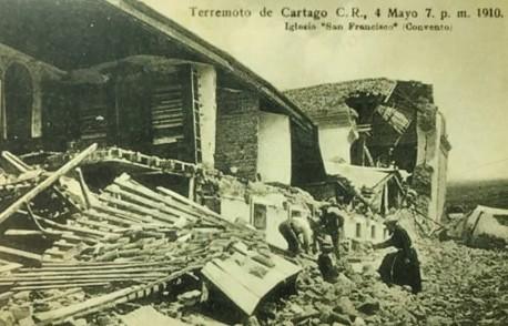 La antigua Iglesia de San Francisco seriamente dañada. Rudd, 1910