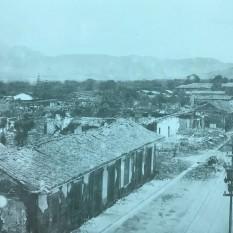 Toma desde el segundo piso de la casa del Dr. Pirie, la actual. Se observa el trabajo de limpieza que se ha iniciado. Rudd, 1910