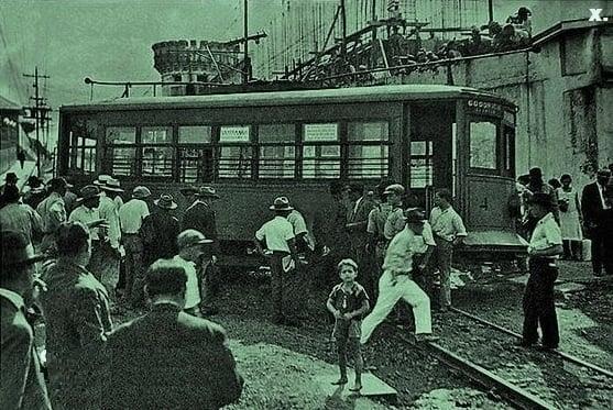 Descarrilamiento del tranvía a la altura de Cuesta de Moras, S.J.