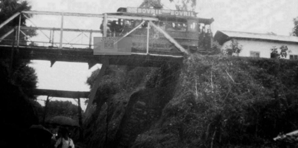 Tranvía en el puente entre San Francisco de Goicoechea y San José 1924