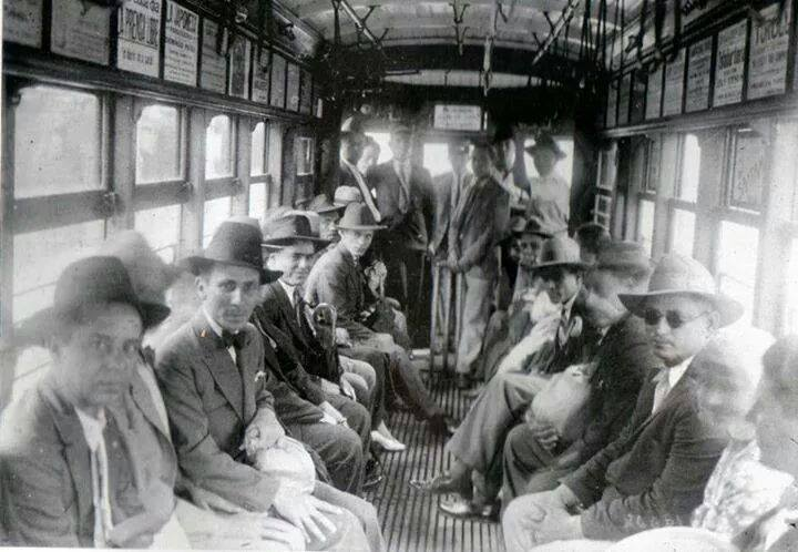 Viajando en el tranvía San José 1926 ( M.G.Miralles)